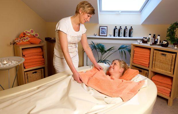 massage-bad-fuessing-oel