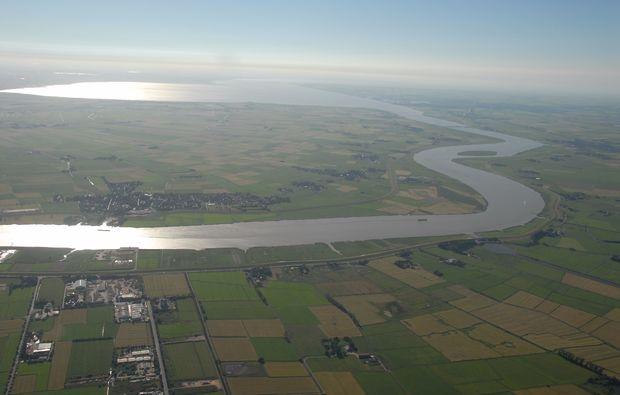 privatrundflug-mit-flugtheorie-moenchengladbach-perspektive