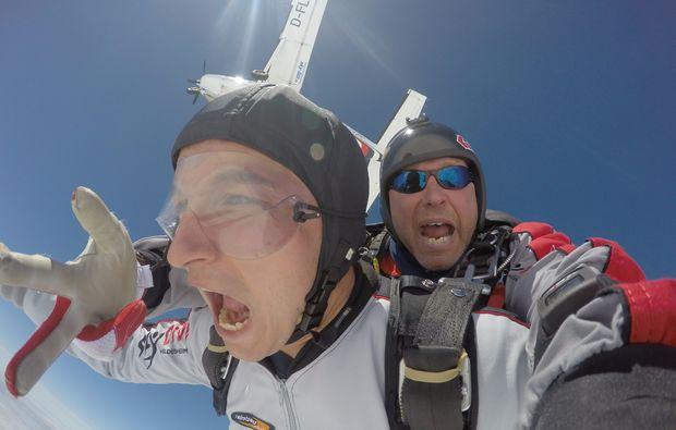 fallschirm-tandemsprung-hildesheim-springen