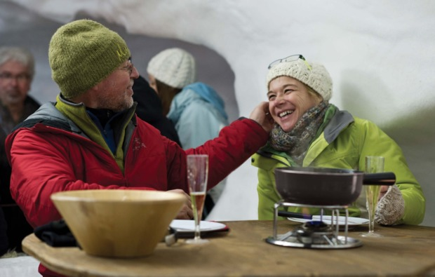 romantik-iglu-uebernachtung-kuehtai-fondue