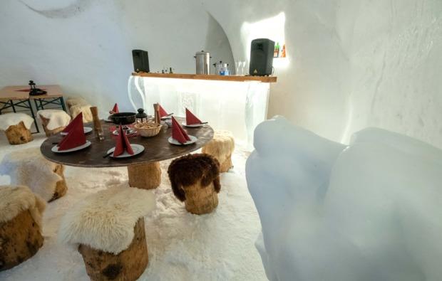 romantik-iglu-uebernachtung-kuehtai-restaurant