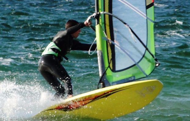 windsurf-schnupperkurs-schwedeneck-surendorf-lernen