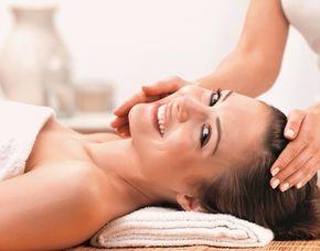 Gesichtsbehandlung Gesichtsmassage, Handmassage