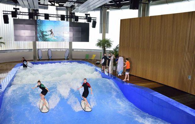 indoor-surfen-bodyflying-muenchen-sport