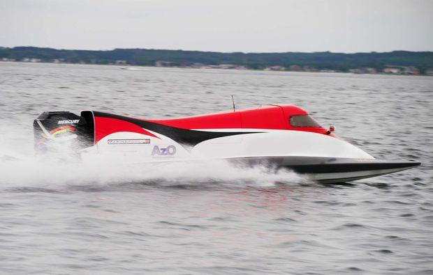 speedboot-fahren-heiligenhafen-powerboot