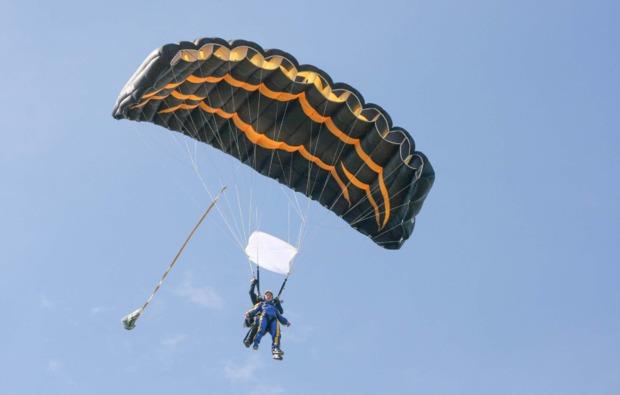 fallschirm-tandemsprung-neustadt-an-der-weinstrasse-bg4