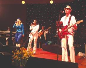 ABBA Royal – The Tribute Dinnershow - 79 Euro (84€) - Rittergut Haus Laer - Bochum Rittergut Haus Laer- 4-Gänge-Menü