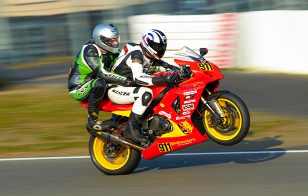 motorrad-renntaxi-hockenheimring-bg1