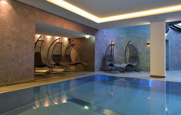 golfen-schlemmen-fuer-zwei-zell-am-see-pool