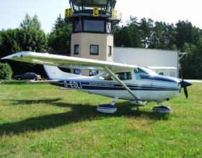 Flugzeug-Rundflug - Motorflugzeug - 60 Minuten - Weiden in der Oberpfalz Motorflugzeug - 60 Minuten