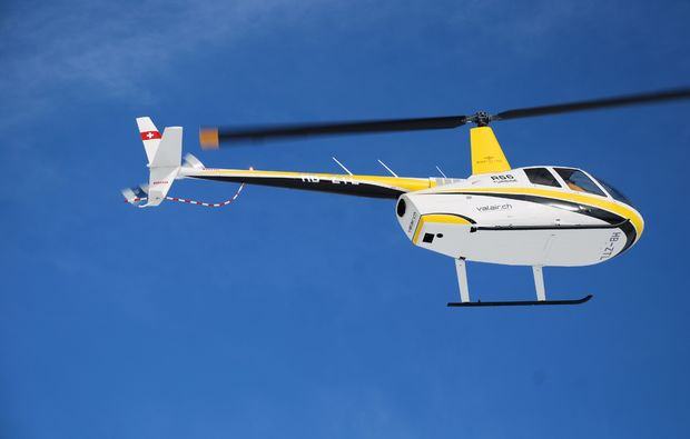 helikopterflug-alpenrundflug-mit-gletscherlandung-erlebnis