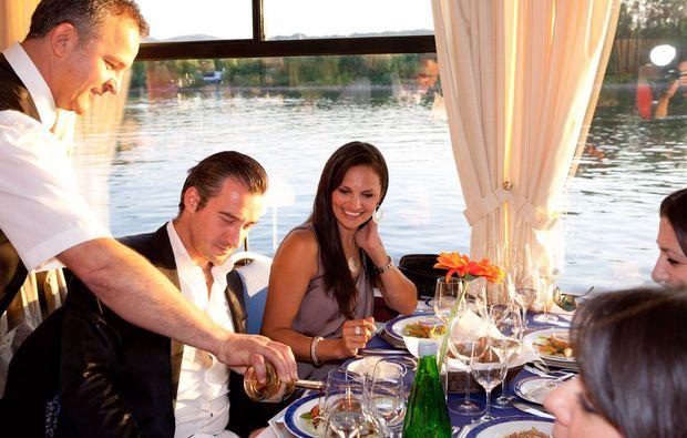 minikreuzfahrt-fuer-zwei-passau-wien-dinner