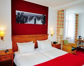 Romantikwochenende - 1 ÜN - Winterberg Berggasthof Hotel Kahler Asten - Dinner