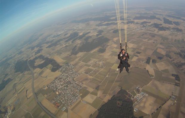 fallschirm-tandemsprung-laupheim-aussicht-geniessen