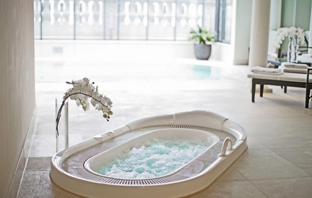 wellness-urlaub-in-luxus-suite-1-uen-2-personen-bg3