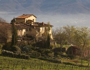 Schlemmen & Träumen - 2 ÜN - Locanda Casanuova Albergo Locanda Casanuova - Halbpension, Weinverkostung, kulinarische Stadtführung, Massage