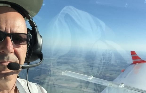 rundflug-flugzeug-rotenburg-wuemme-pilot
