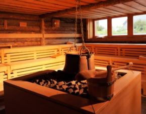 Day Spa in der SteinTherme Bad Belzig Eintritt in die Therme, Aromaöl-Massage, 3-Gänge-Menü
