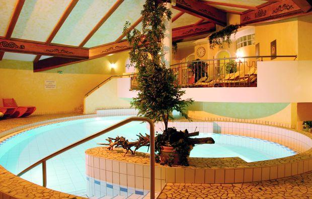 kuschelwochenende-tannheim-pool