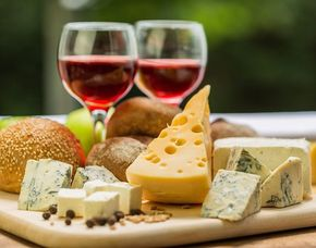 Wein & Käse - Kochagentur Leubnitz Passage - Dresden Verkostung von 10 Weinen & 10 Sorten Käse