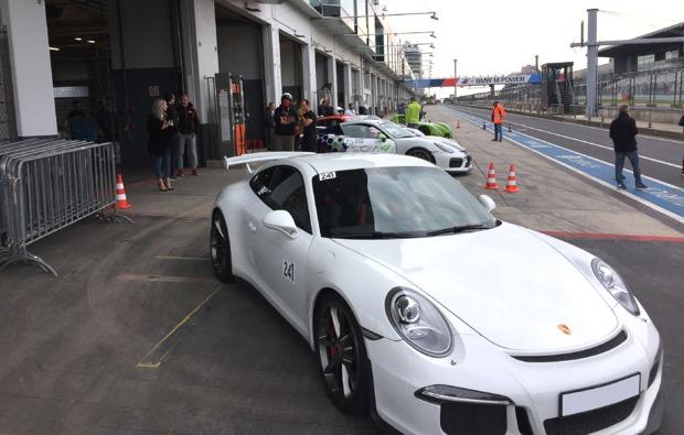 renntaxi-stavelot-porsche-cup-motorsport
