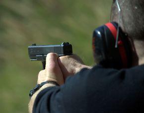 Schießtraining - Pistole & Revolver - Essen Schießtraining mit Pistolen und Revolvern, ca. 2 Stunden