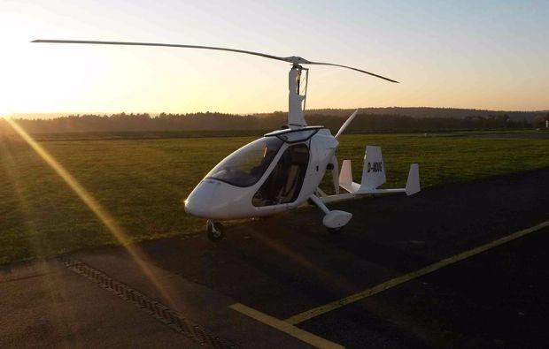 tragschrauber-rundflug-miltenberg-fliegen-draussen