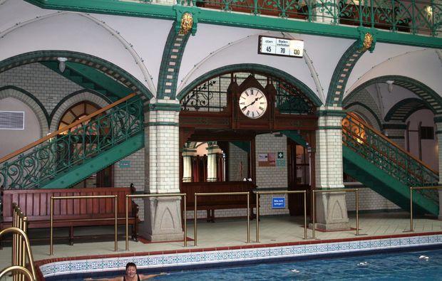 thermen-spa-hotels-zwickau-schwimmen