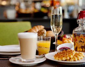 Frühstückszauber für Zwei - Stuttgart Frühstücksbuffet, inkl. Prosecco & Säfte