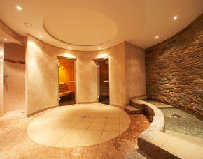 Lost in Paradise für Zwei Göbel's Hotel Quellenhof - 3-Gänge-Menü, Balance-Massage