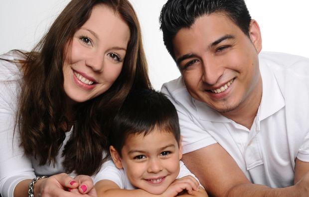 familien-fotoshooting-hamm-glueckliche-familie