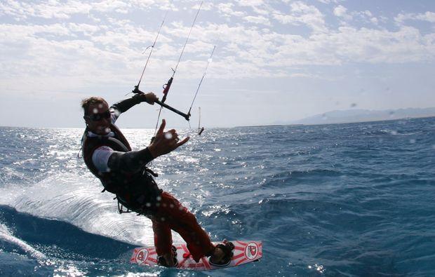 kitesurf-kurs-schwedeneck-surendorf-probieren