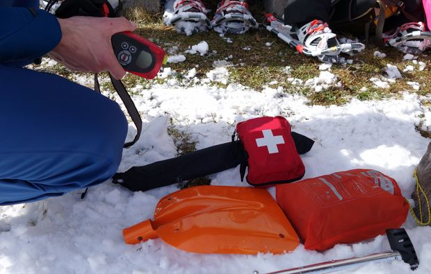 schneeschuh-wanderung-reit-im-winkl-ausruestung