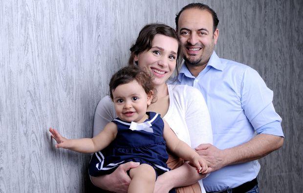 familien-fotoshooting-erlangen-eltern-mit-kind
