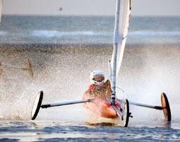 Bild Strandsegeln & Kitebuggy - Kitebuggy und Strandsegeln: der windige Trend