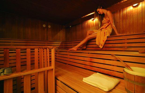 thermen spa hotel in bad alexandersbad als geschenk mydays. Black Bedroom Furniture Sets. Home Design Ideas