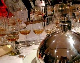 Bild Whisky, Gin & Co. - Whisky Tasting - Schenke die edle Welt der Brände