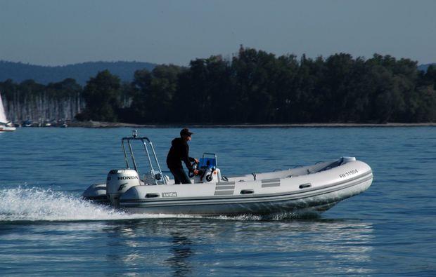 kressbronn-gohren-motorboot-fahren