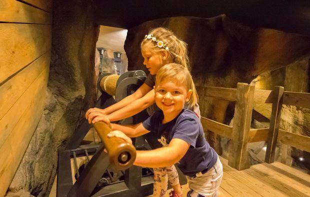 zauberhafte-unterkuenfte-saalfeldsaale-spielen
