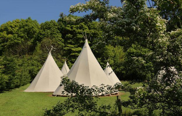 uebernachten-tipi-la-chapelle-aux-bois