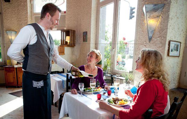 fruehstueckszauber-fuer-zwei-hamburg-bedienung