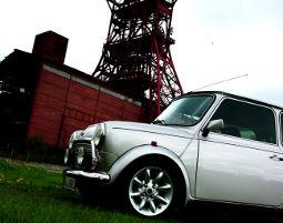 Oldtimer selber fahren (Classic Mini, 2 Stunden) Oldtimer fahren für Zwei: Mini Cooper - Ca. 2 Stunden