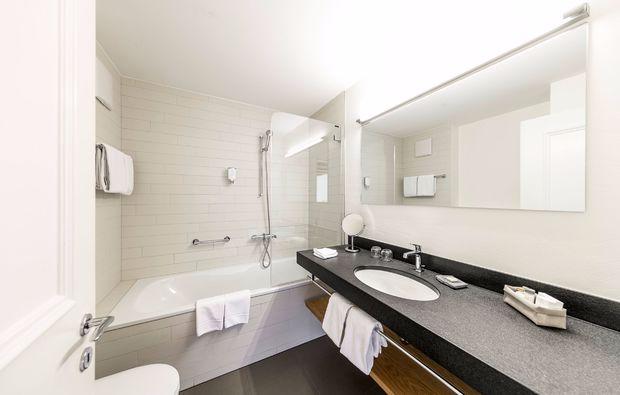gourmetreise-scuol-badezimmer