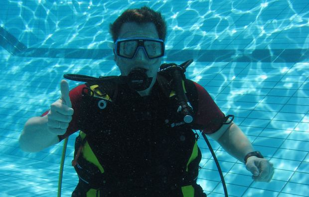 open-water-diver-coburg-schwimmen