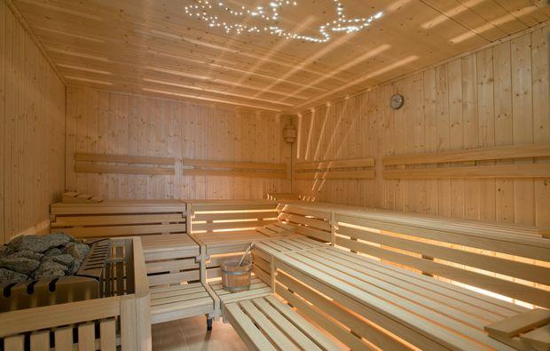 romantikwochenende-gross-stroemkendorf-sauna