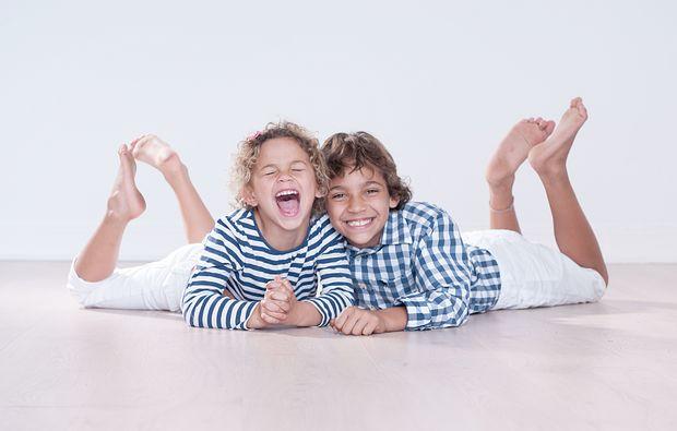 familien-fotoshooting-muenchen-brueder