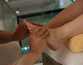 Wellnesstag für Zwei - Bad Münstereifel Eintritt Wellnessbereich, Hand- oder Fußbehandlung, Teilkörpermassage