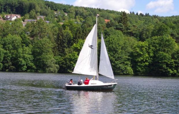 romantische-segeltoerns-simmerath-segelboot