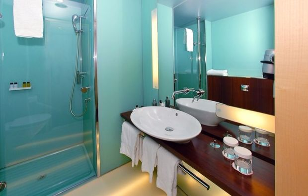romantikwochenende-basel-dusche