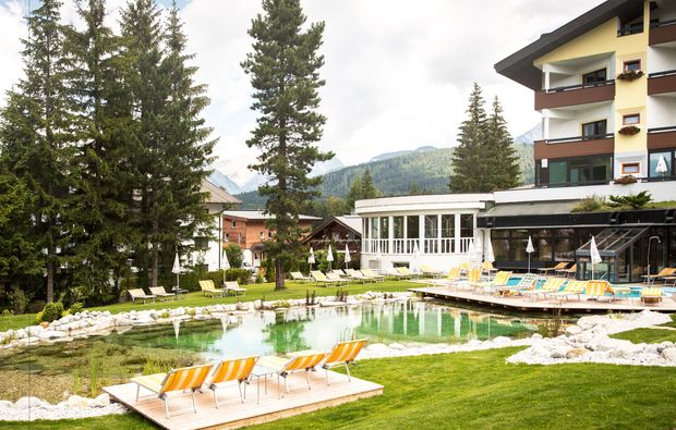 wellnesshotels-seefeld-in-tirol-badeteich